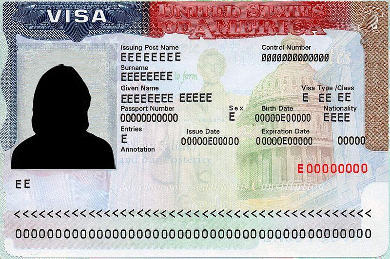 Con la carta di soggiorno o il permesso di soggiorno ...